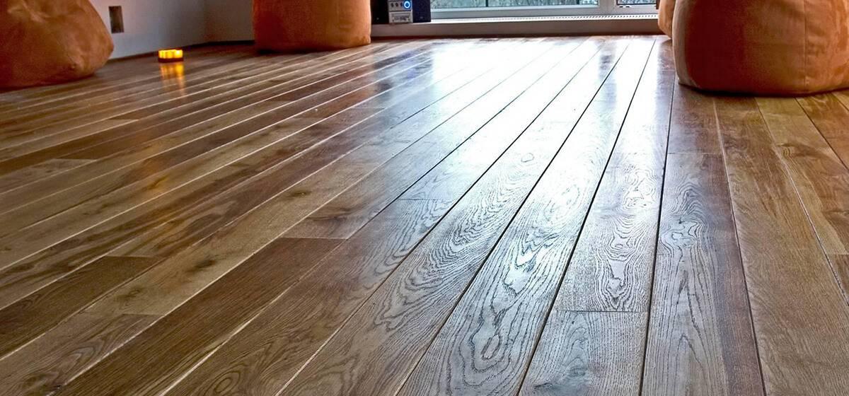 Как правильно покрыть лаком деревянный пол собственноручно