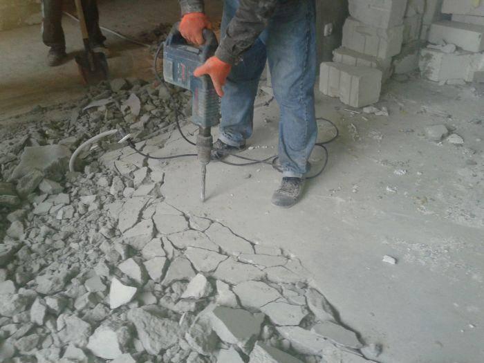 Как сделать демонтаж бетонного пола, убираем стяжку своими руками