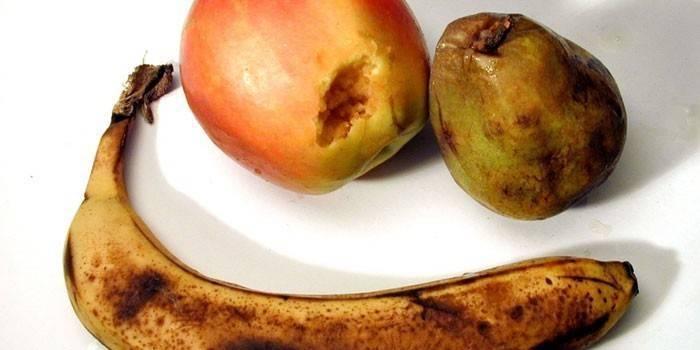 Как в два счета избавить квартиру от фруктовых мошек?