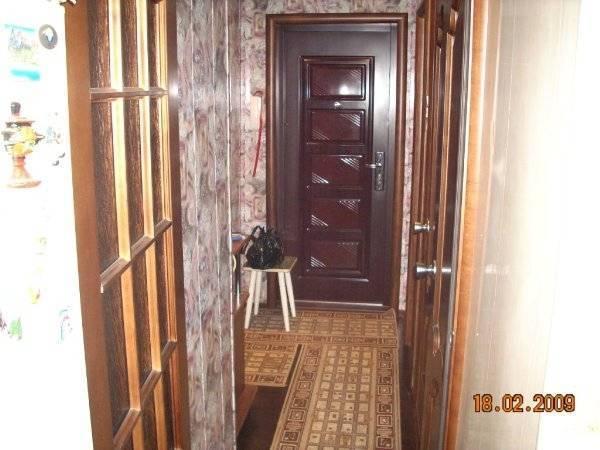 Прихожая в квартире в панельном доме: виды ремонта, 75 фото идей