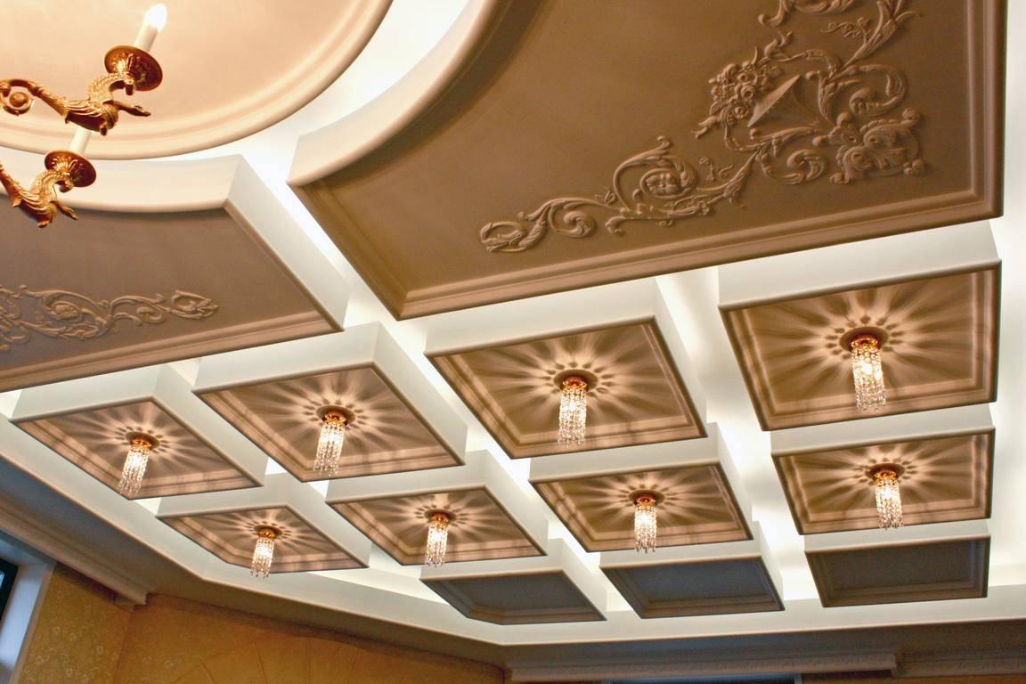 Декоративная лепнина на потолок - какая она бывает и как ее крепят?