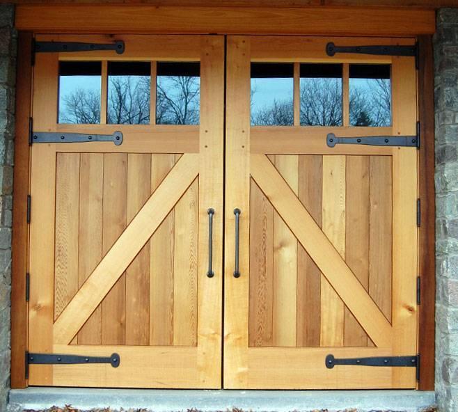 Гаражные ворота (85 фото): стандартные размеры универсальных металлических ворот для гаража, модели с пультом управления