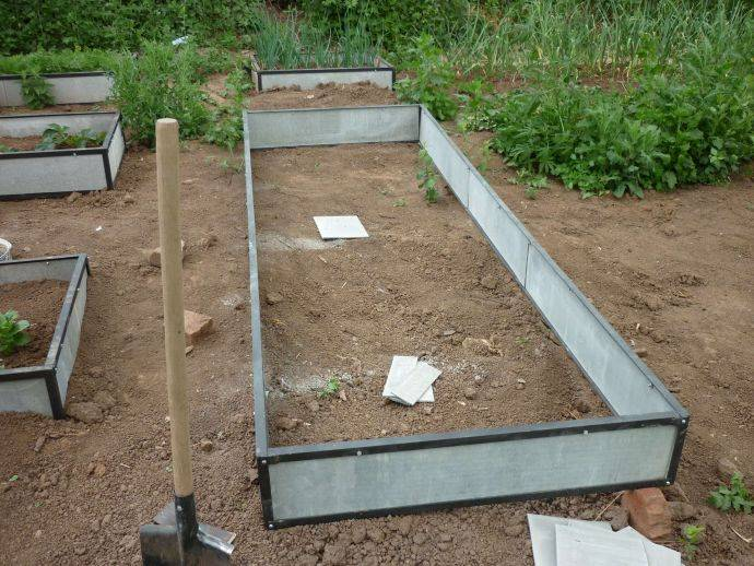 Размеры грядок на огороде: оптимальная ширина, длина, расстояние между грядками, высота