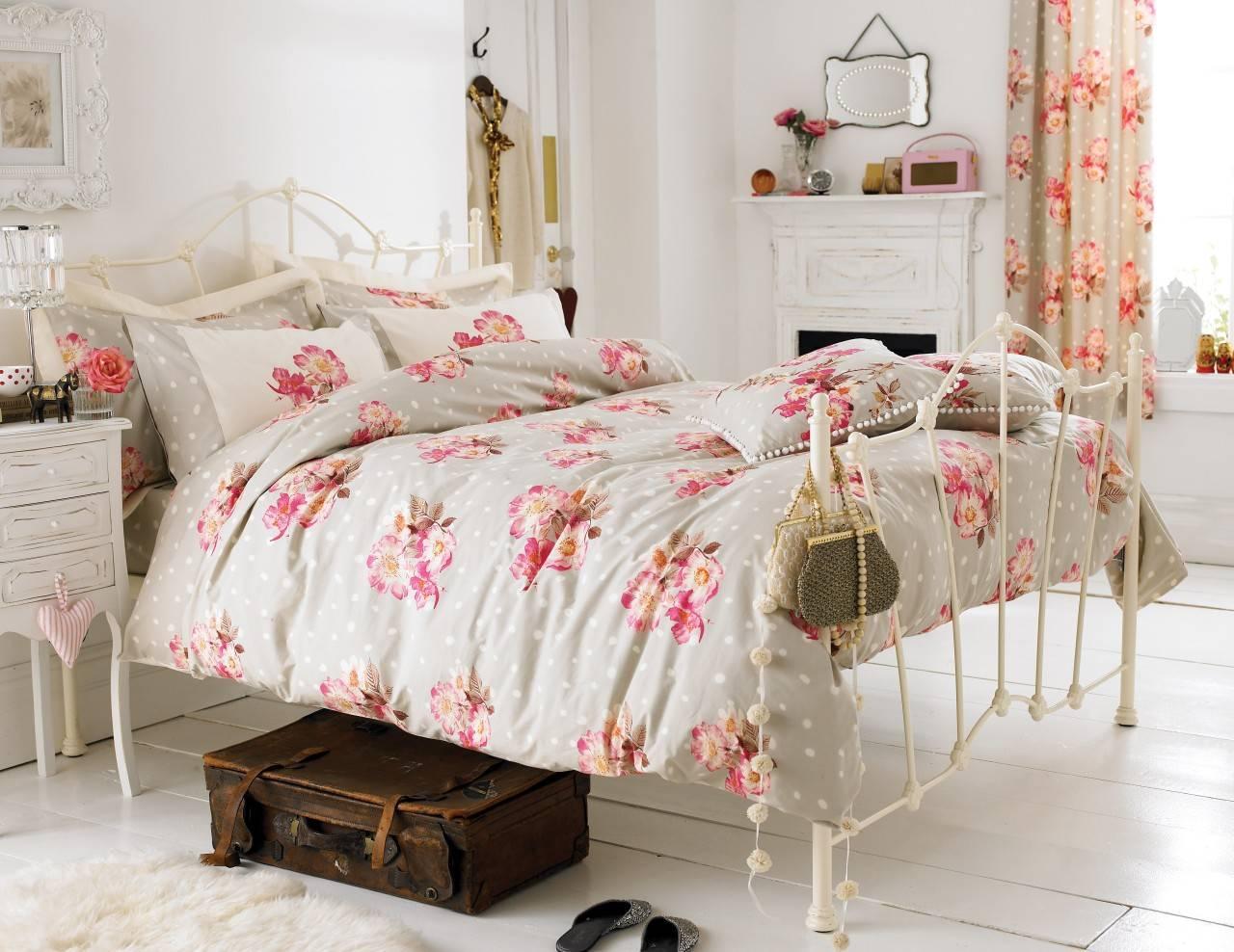 Спальня в стиле прованс (124 фото): романтичный дизайн интерьера, маленькая комната во французском стиле, идеи оформления мансарды