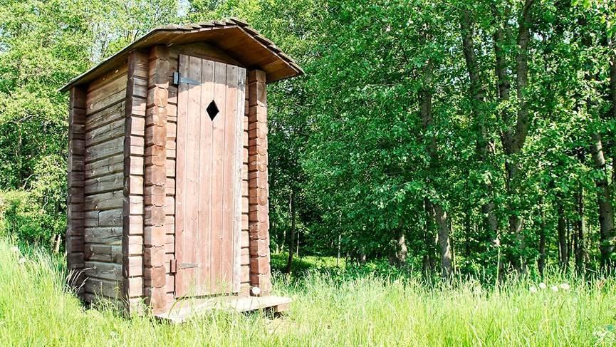 Как избавиться от запаха в дачном туалете: обзор основных методов