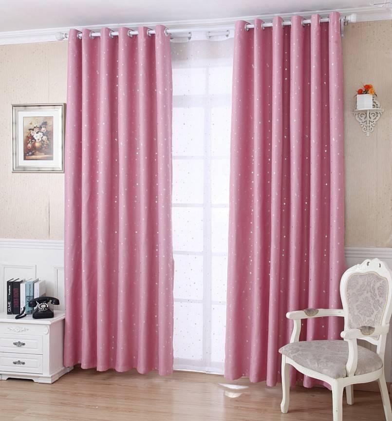 Подбираем шторы к розовым обоям (37 фото): какого цвета занавески подойдут к ярко-розовым стенам