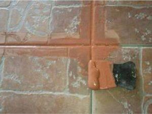 Затирка швов плитки своими руками: цвета, как затереть швы на кафельной плитке