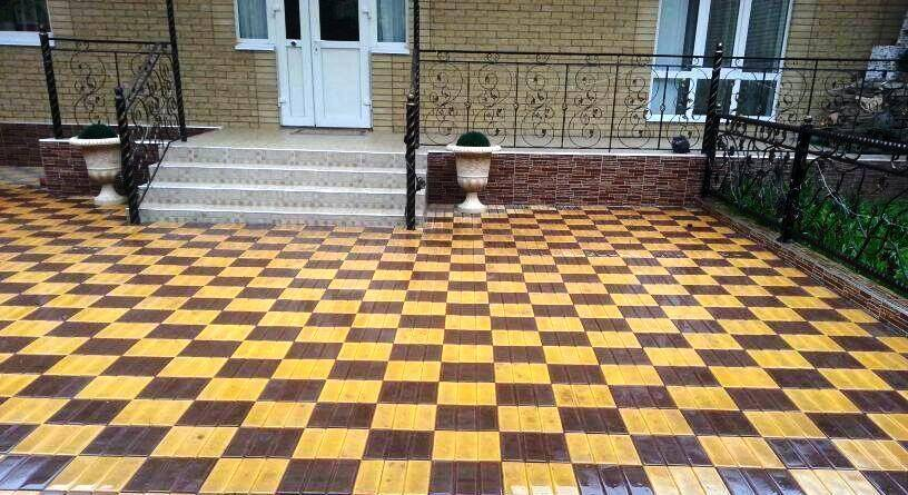 Благоустройство участка: как правильно укладывать тротуарную плитку на долгие годы