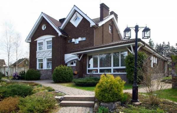 Цвета сайдинга для обшивки дома (57 фото): белый и коричневый, желтый и красный, бежевый и зеленый, красивые примеры комбинирования