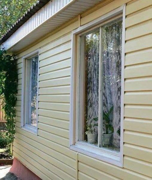 Как обшить окно сайдингом - монтаж сайдинга на оконный проем + фото