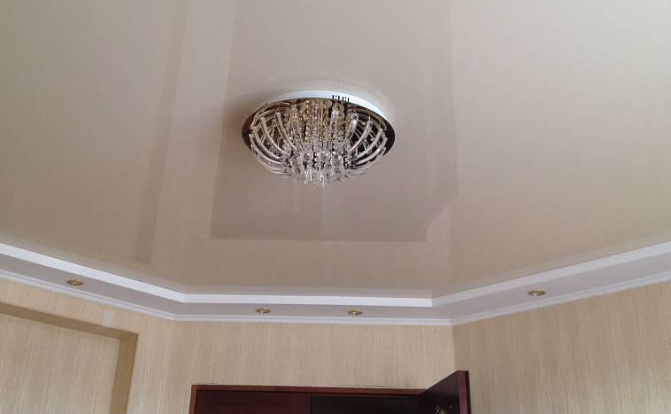 Фиолетовый потолок: дизайн, оттенки, фото для натяжного и подвесного потолка