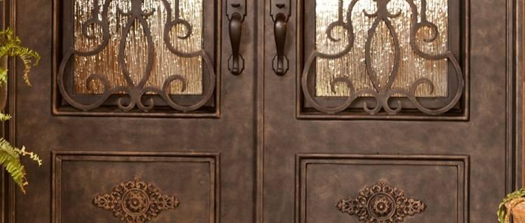 Кованые двери входные: фото со стеклопакетом