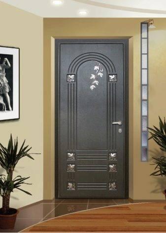 Обшивка дверей панелями мдф: плюсы и минусы