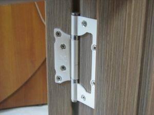 Ввертные петли для дверей: как выбрать, установить и отрегулировать?
