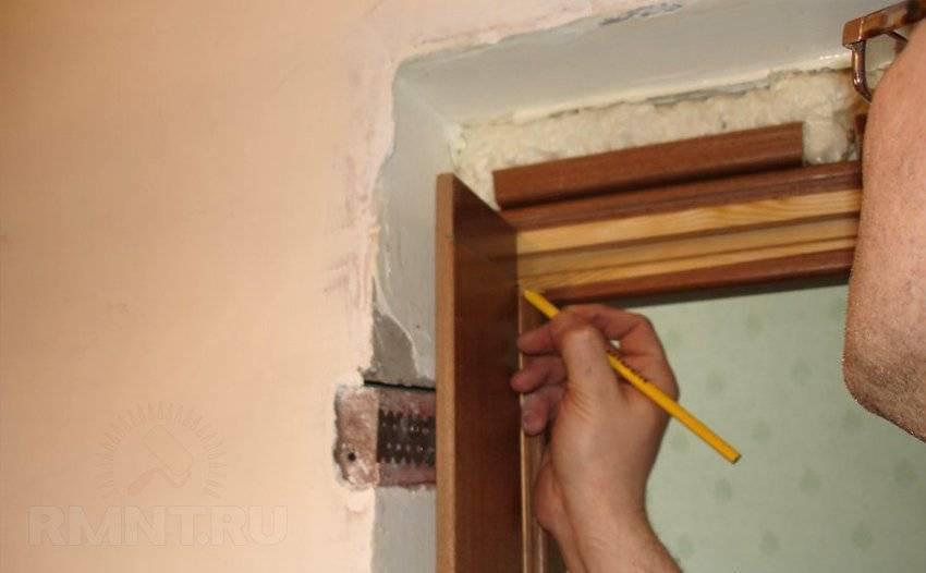 Как установить межкомнатную дверь с добором своими руками: видео