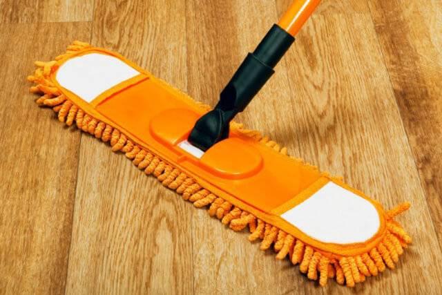 Как и чем отмыть линолеум от въевшейся грязи в домашних условиях?