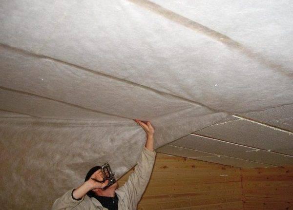 Крепление пенопласта к стене: на клей или дюбеля?