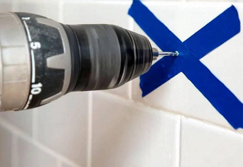 Как просверлить плитку в ванной чтобы она не треснула: сверлим кафель на стене в ванной комнате