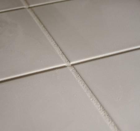 Как выбрать затирку для плитки в ванной или кухне?