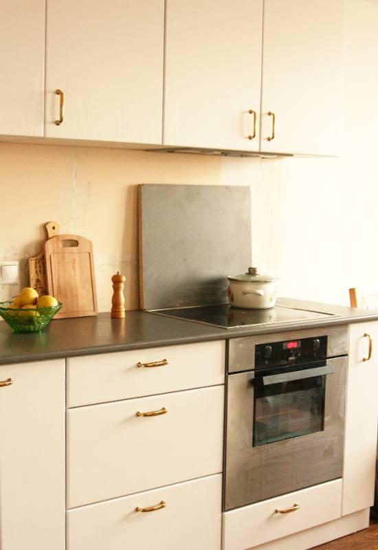 Фартук для кухни без плитки – варианты изготовления