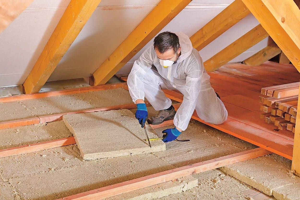 Пароизоляция потолка при холодном чердаке: изоляция стекловатой в теплом и холодном помещении, утеплитель для чердачного перекрытия