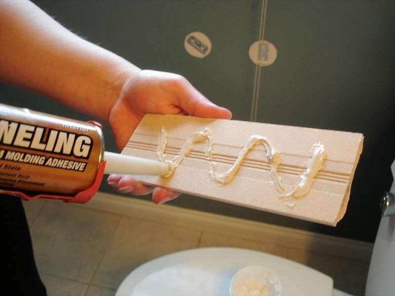 Клей для панелей пвх в ванной: как приклеить пластиковые листы, как правильно обклеить комнату с высокой влажностью