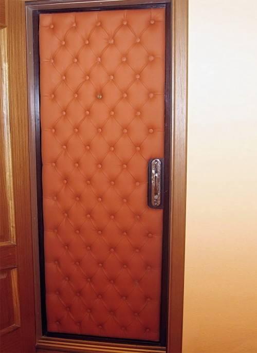Обивка металлических дверей (64 фото): отделка изнутри входной двери и её обшивка, а также облицовка декоративным камнем