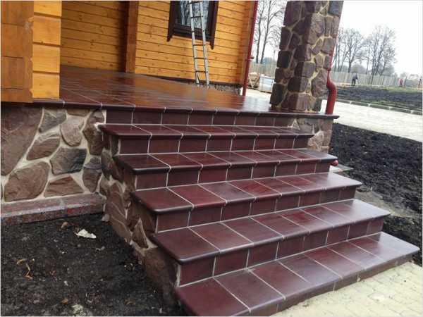 Клинкерная плитка для ступеней, ее преимущества для крыльца на улице, фото и цена