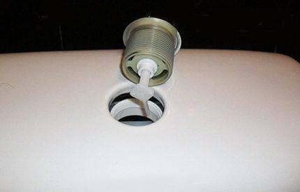 Инструкция: крепление бачка к унитазу (компакт, навесной или автономный, встроенный)
