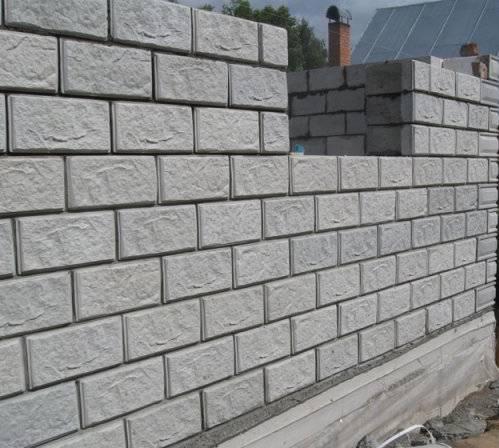 Как сделать керамзитобетонные блоки своими руками?