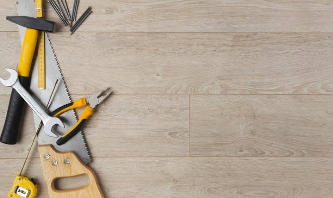 Как приклеить линолеум к бетонному полу: чем приклеить и технология укладки линолеума на клей