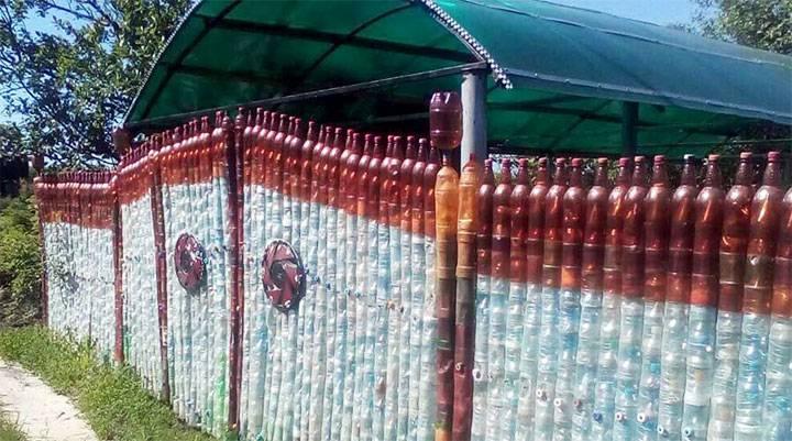Забор из пластиковых бутылок - своими руками, технология и инструкция