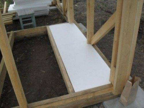 Как сделать утепление бани изнутри, если стены из кирпича, блоков или деревянные, чтобы не замерзнуть в парной?