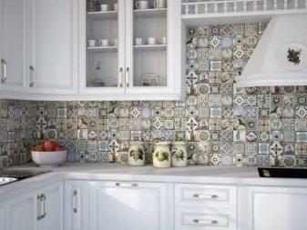 Плитка на пол с рисунком (34 фото): напольная плитка с геометрическим узором и орнаментом, керамические узорные изделия в интерьере