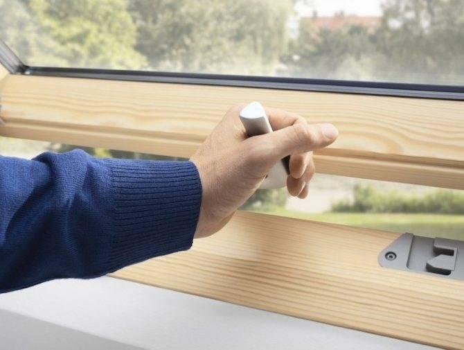 Как избавиться от конденсата на пластиковых окнах со стороны комнаты?