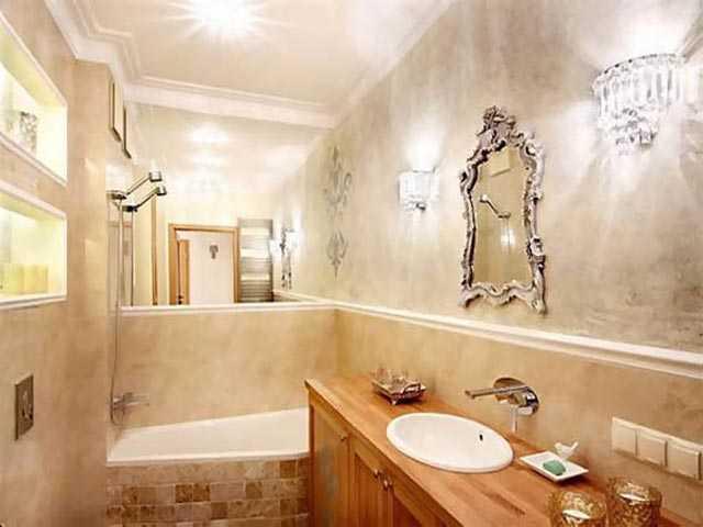 """Декоративная штукатурка в ванной комнате своими руками: чем покрыть стены, можно ли делать совмещение с мозаикой, как наносить на бетон и фото видов """"короед"""" и иных"""