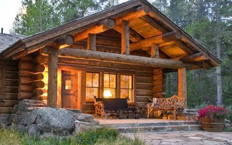 Чем заделать щели в деревянном доме