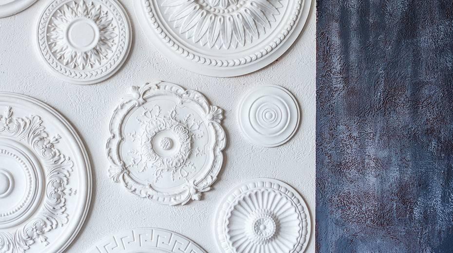 Как клеить потолочную плитку из пенопласта