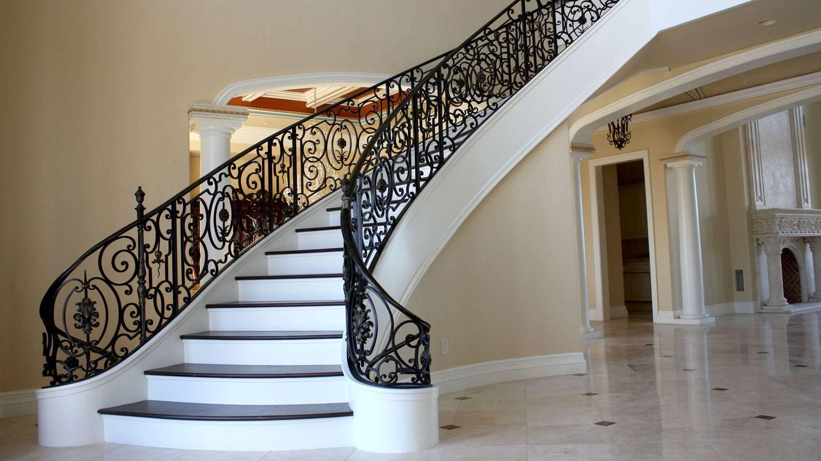 Выбираем оптимальный проект лестницы на второй этаж в частном доме