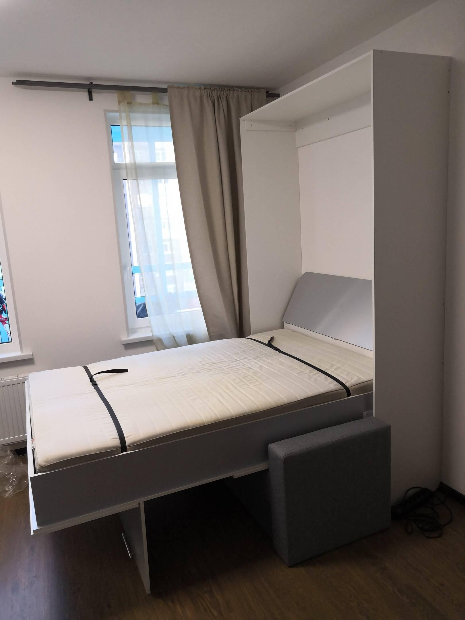 Кровать трансформер для малогабаритной квартиры, стол-кровать и другие варианты механизмов, особенности конструкции, фото