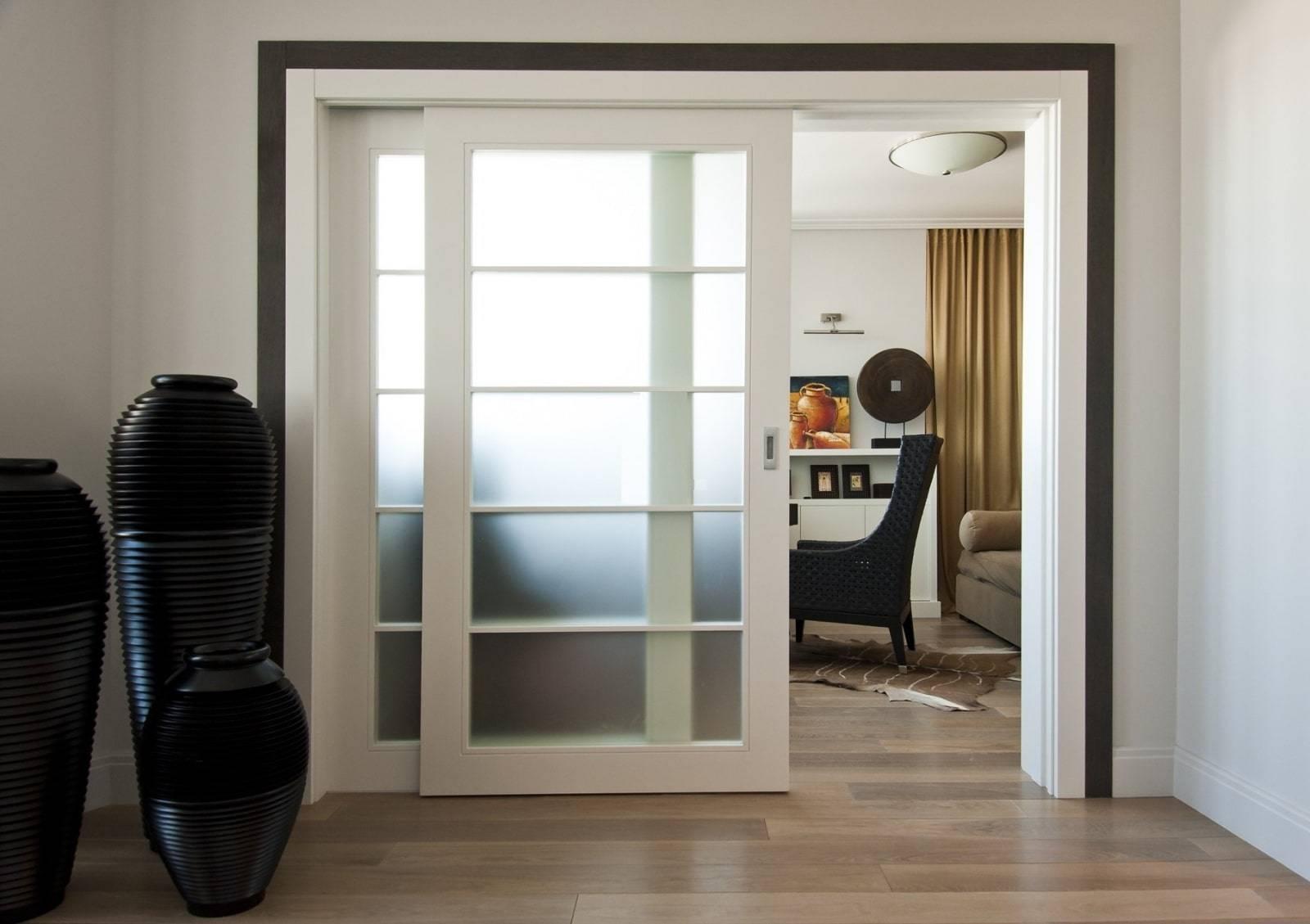 Преимущества и недостатки арочных межкомнатных раздвижных дверей