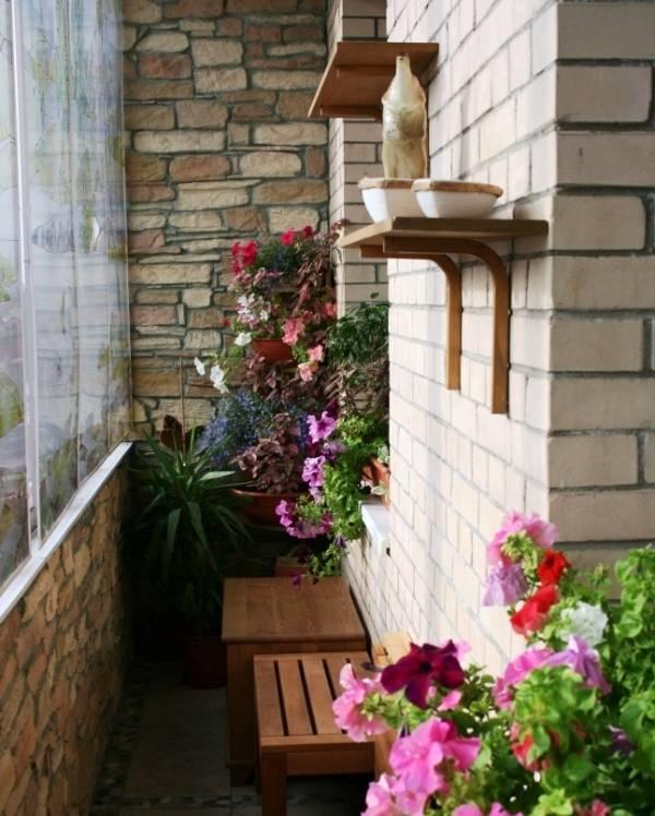 Отделываем балкон искусственным и декоративным камнем