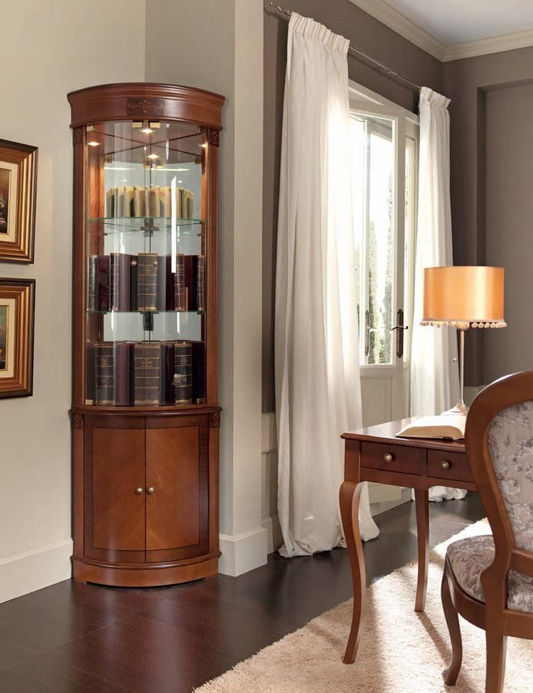 Что поставить в стеклянный шкаф в гостиной. лучшие способы расставить посуду в серванте. материалы для шкафов со стеклом