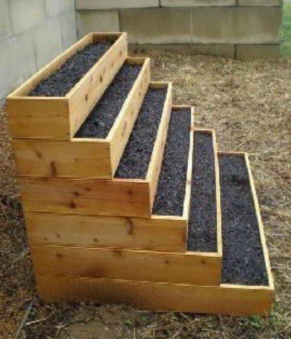 Идеи вертикальных грядок своими руками на садовом участке: из досок, паллет + фото