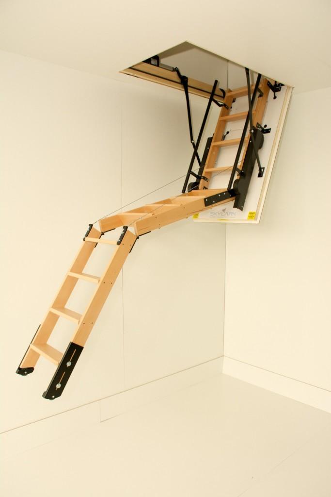 Люк с лестницей на чердак - видео-инструкция по монтажу своими руками особенности чердачных лестничных конструкций с фото инструкцией