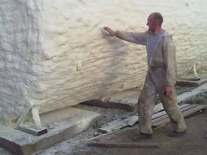 Эффективное утепление зданий пенополиуретаном напыляемым: Видео - инструкции от мастеров своего дела