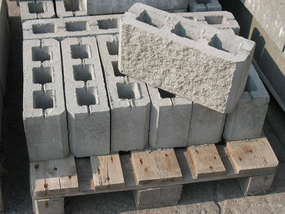 Фундамент для сарая: пошаговая инструкция по изготовлению, как сделать основание своими руками из пеноблоков, легкий вариант из блоков