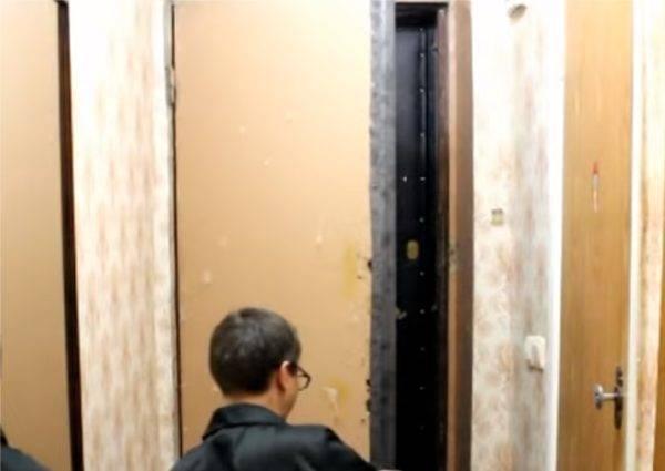 Обивка дверей дермантином своими руками пошагово видео — topsamoe.ru