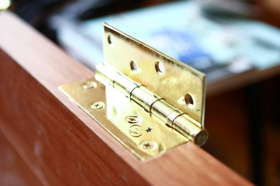 Самостоятельная установка петель на двери – подробное руководство