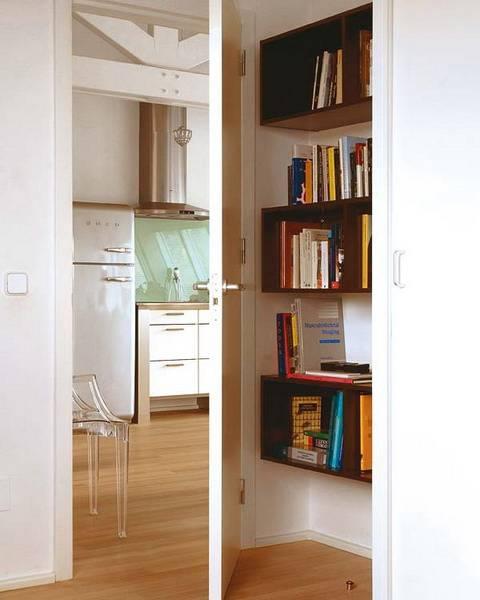 Как и где хранить книги в маленькой квартире?